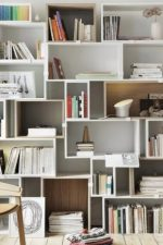 Полки этажерки стеллажи – закрытый вариант для хранения, белый стеллажный шкаф для спальни, глубина и другие габариты сборных моделей