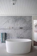 Установка панели ванны – обшивка стеновых и потолочных панелей в ванной комнате своими руками, монтаж с обрешеткой и без, установка и облицовка