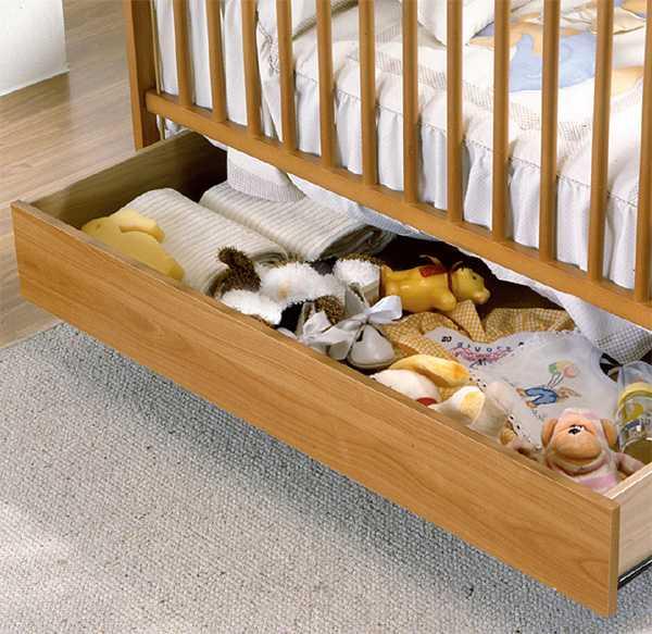 Для хранения игрушек можно использовать шкаф или лестницу, если она  представляет собой модули-ступеньки с крышками или в виде выдвижных ящиков. 6ac42e3f60c